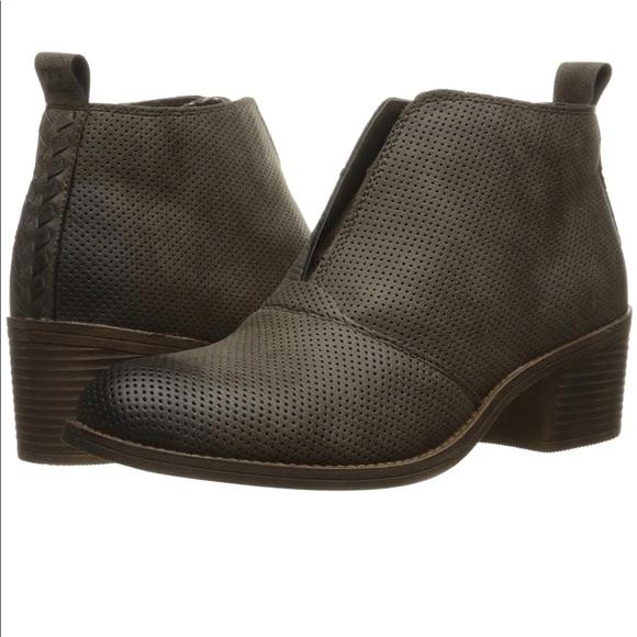 c6588d7db763 Billabong Shoes | Nib Eccentric Ankle Boot Espresso 7 | Poshmark